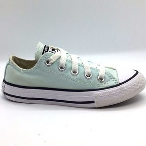 Kids Converse canvas low tops
